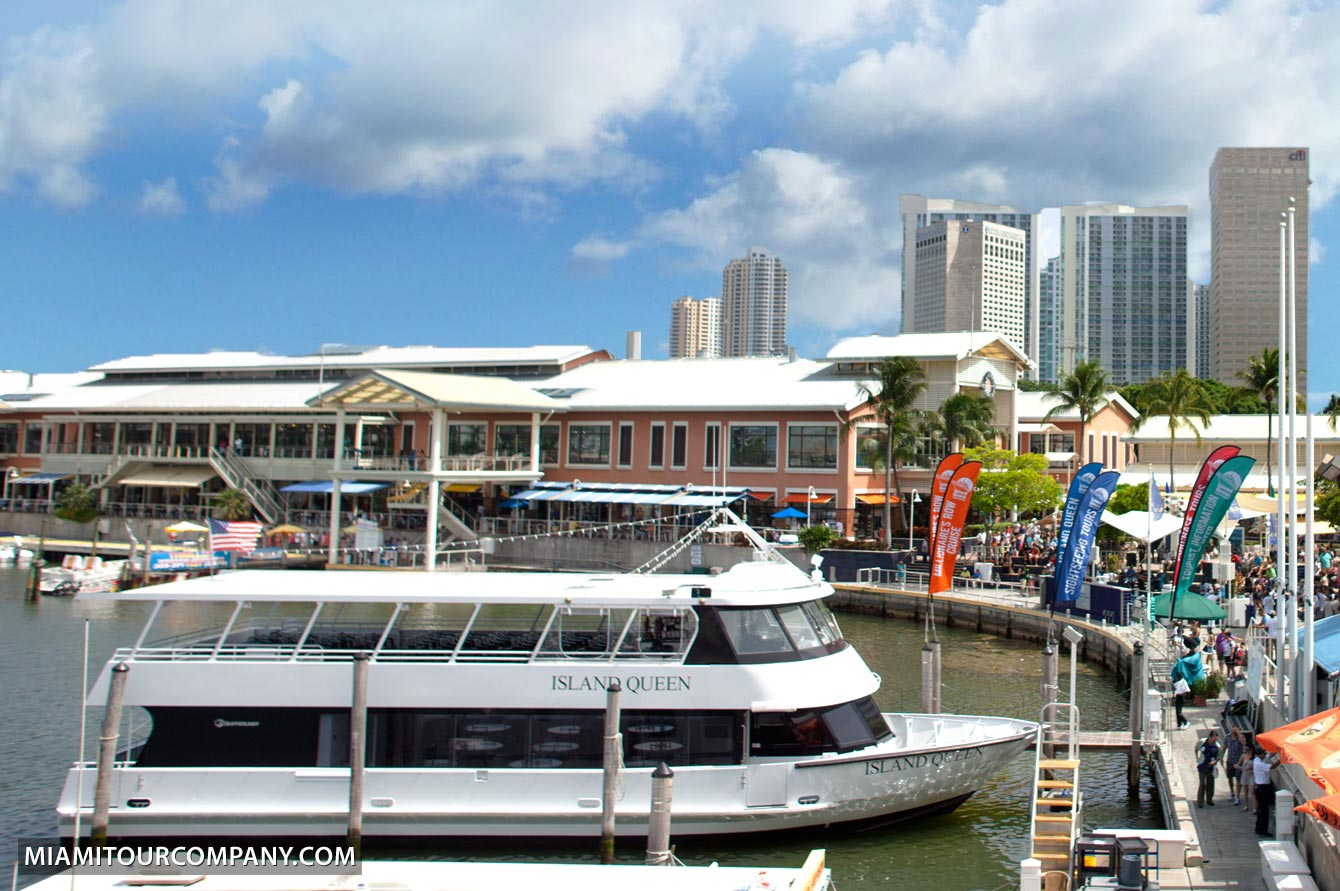 Miami Celebrity Homes Boat Tour - Get A Free Drink